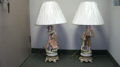 VINTAGE PORCELAIN FIGURINE TABLE LAMPS 2 OF THEM (9272)