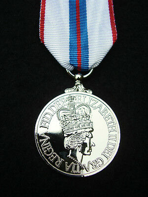 BRITISH ARMY GUARDS,RAF,RM,SBS,POLICE - Queen's Silver Jubilee 1977 Medal+Ribbon