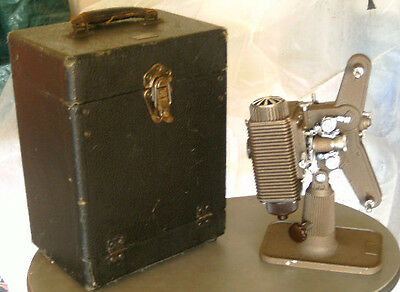P85 8mm Movie Projector Revere