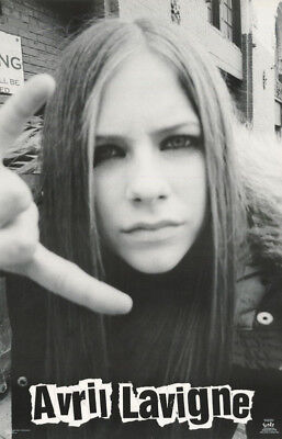 POSTER : MUSIC : AVRIL LaVIGNE - FACE POSE -  FREE SHIPPING !  #6584    LC27 T