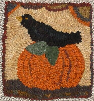 """""""pumpkins And Crow"""" ~Rug In A Day Linen Pattern~Primitive Rug Hooking"""