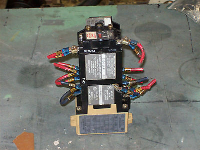 Allen Bradley AC Relay w/ Mechanical Latch Unit