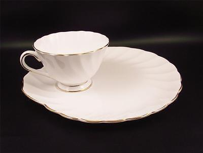 Crown Tuscan Fine China Dover Snack Set~White Gold Shell Swirl England (@@)
