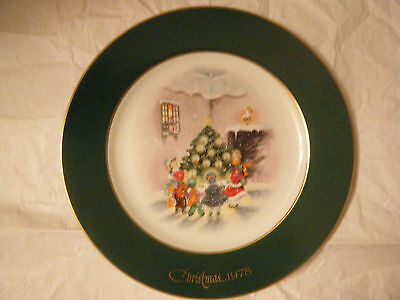 """true joy of Christmas caroling""~ 2nd in Christmas Plate series~ Eve Rockwell"