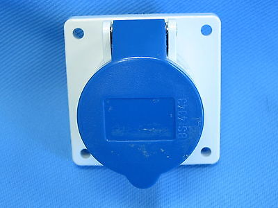 MENNEKES TYP 1366 PIN AND SLEEVE RECEPTACLE 16-6h, 220-240V