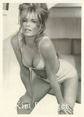 POSTER : MOVIE ACTRESS : KIM BASINGER - POSED   - FREE SHIPING !  LW5 i