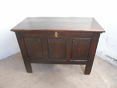 A Quality Late Victorian Solid Golden Oak 3 Panel Coffer Box