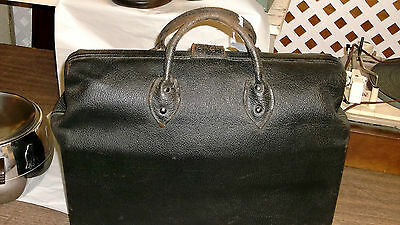 Antique black  Cowhide Leather Doctor's Bag NICE  tab: United Carr Boston Mass