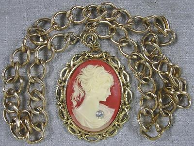 Nice Vintage Goldtone Necklace With Large Cameo Pendant