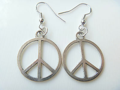 hot new Wholesale 12 pair lady peace sign fashion earrings