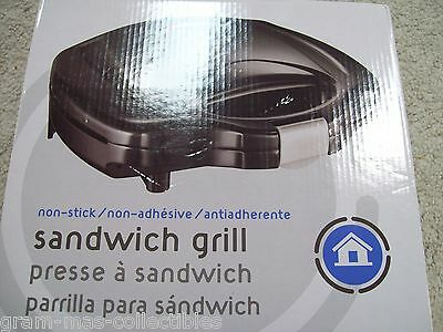 Sandwich Grill Two Non Stick Cooking Surfaces Non Adhesive 700 W Heating Element