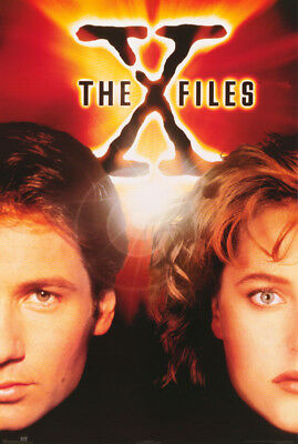 Poster :tv : X-Files - Mulder & Scully  -   Free Shipping ! #24-747  Rc53 W