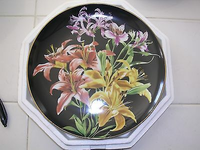 """Collectable Plate: Danbury Mint """"Lily"""""""