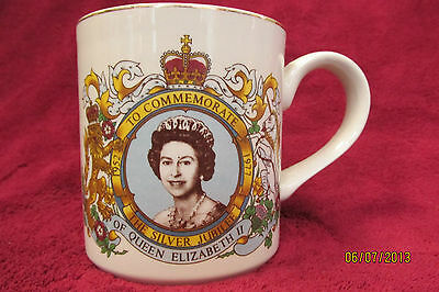 Queen Elizabeth J and G Meakin Mug England
