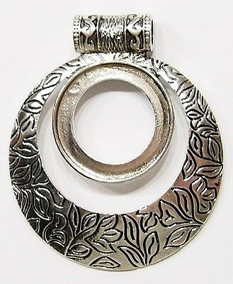 4 of 30 mm Round Antique Silver Flowered Pendant Settings 4 Cameos or Cabs, Nice