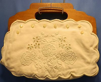 Nice Americana Wood handled linen purse with second outer body, hand embroidered