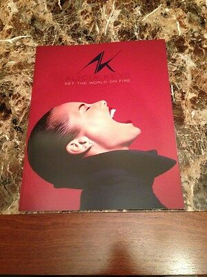 Alicia Keys Set The World On Fire Tour Book