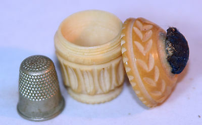 ANTIQUE c1900~~UNUSUAL PIN CUSHION THIMBLE HOLDER COMBO ETUI~~ CARVED FROM NUT