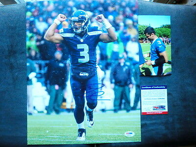 Russell Wilson Hot! signed Seahawks 11x14 photo PSA/DNA cert PROOF!!