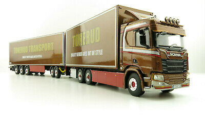 Siku 1805 Freightliner Truck with New Holland 7070 Tractors Scale 1:87 Die cast