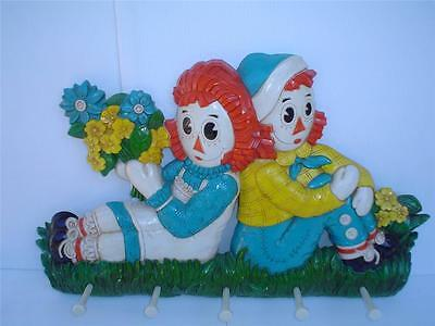 VINTAGE RAGGEDY ANN & ANDY COAT RACK WALL PLAQUE  Bobbs-Merrill Co.1977