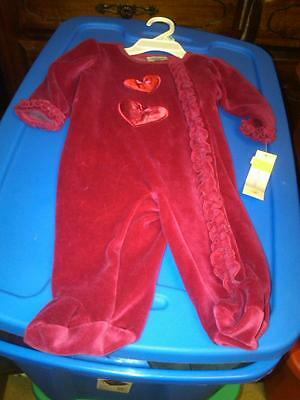 Nwt Infant Girls Soft Velour One Piece Footed Outfit Valentines Hearts 3-6 Mos