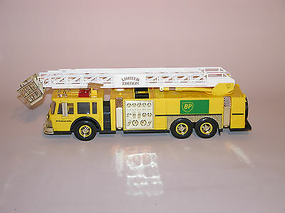 1996 BP AERIAL TOWER FIRE TRUCK 1st OF A SERIES GOLD EDITION 1:35 SCALE
