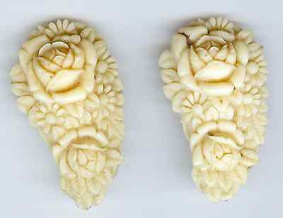 Vintage Pair Of Carved Celluloid Flowers Shoe Or Dress Clips