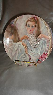 """""""the Pearls""""  8"""" Decorative Plate / 1987 / Plate #3220A"""