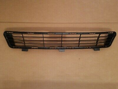 fits 2010-2011 TOYOTA CAMRY LE XLE Front Bumper Grille Lower Center Insert NEW