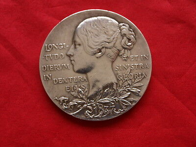 1837-1897 Queen Victoria Diamond Jubilee Large 56mm Solid Silver Medallion/Coin