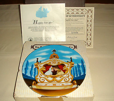 Disney CINDERELLA Prince Charmings Bride Gaze Into Eyes HAPPILY EVER AFTER Plate