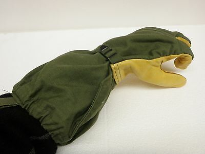 U.S. MILITARY COLD WEATHER TRIGGER FINGER MITTENS W/LINER - Size: Large