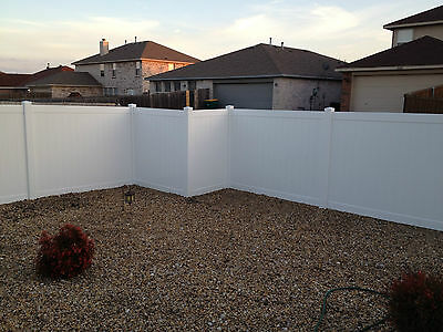 NEW! 168' White Vinyl Privacy Fence  6' Tall x 8' Wide.