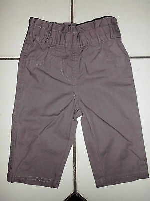 Superbe Pantalon Fille Marque Kimbaloo T.1 Mois Couleur Taupe 100% Coton