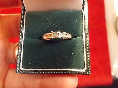 OLDER VTG? 10kt YELLOW GOLD LADIES WEDDING RING WITH 7 DIAMONDS, VG CONDITION