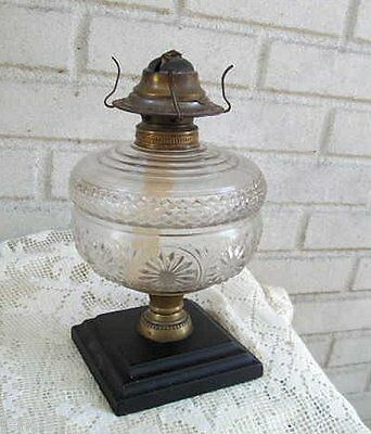 Great Antique Pattern Glass Oil Lamp on Metal Base