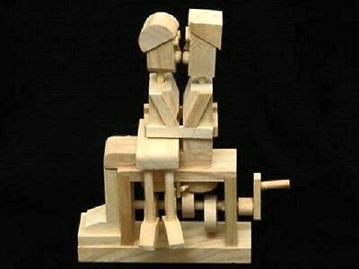 Kissing Couple - Timberkits Self-Assembly Wooden Construction Moving Model Kit