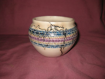 """Small vessel Bowl HORSE HAIR Etched Native American   Signed Artist """"Stoll Naw"""""""