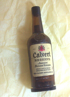VINTAGE FIGURAL CELLULOID Calvert bottle THREAD Holder, Etui