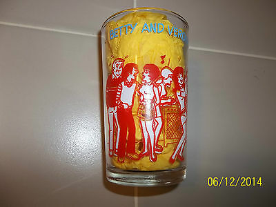 VTG 1973 Welch's Archies BETTY & VERONICA HAVING A PARTY  Jelly jar glass EUC