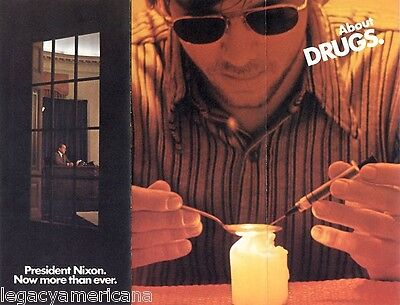 Official 1972 Reelect Richard Nixon Brochure DRUGS (1462)