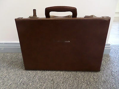 Arnotts Biscuits Samplers Briefcase (266)
