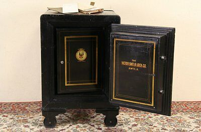 Victor of Ohio 1900 Antique Safe, Working Combination Lock