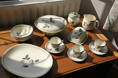 Large job lot of Crown Devon Ivory Queen items