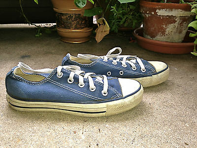 amazing pair of CONVERSE ALL STAR Vintage USA blue canvas low tops 3.5 Y, 5 M