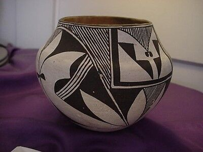 ANTIQUE VINTAGE ACOMA POT POTTERY BY LUCY LEWIS LARGE BEAUTIFUL PIECE MUSEUM OLD