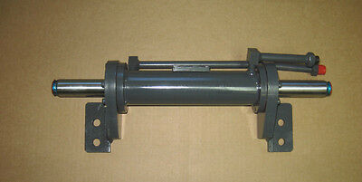 Mahindra Tractor Power Steering Cylinder  E007202580C91 / 007202580C91