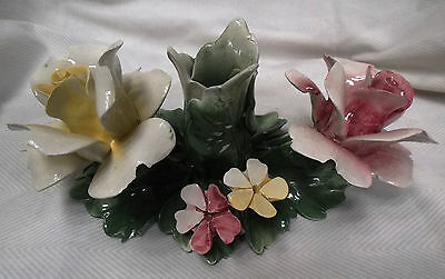 VINTAGE CAPODIMONTE NUOVA PORCELAIN 2 ROSES 7 DAISIES CANDLE HOLDER --Italy