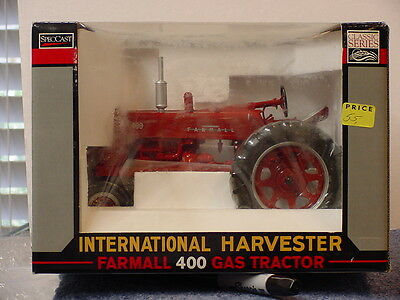International Harvester Farmall 400 Gas Tractor, 1/16, Diecast